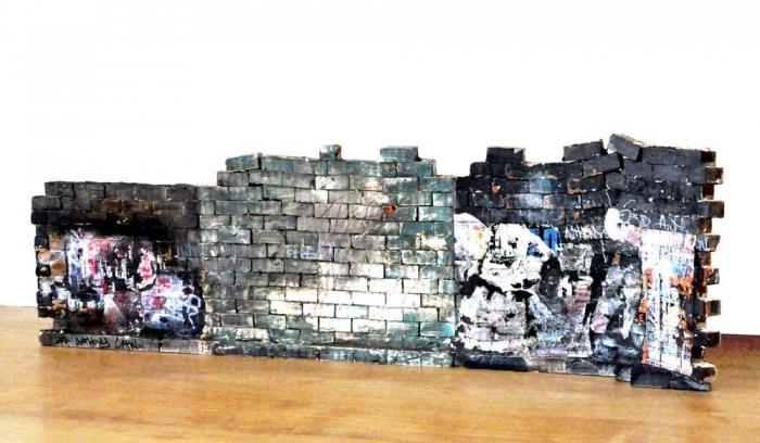 So What - Verso 20x63.5x9cm. Un titre de propriété de mur est remis à l'acquéreur. Ex unique.