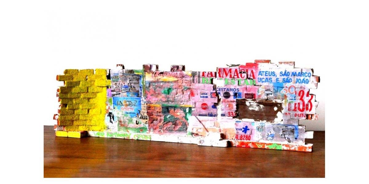 Mur brésilien - Verso 18.5x56x9cm. Un titre de propriété de mur est remis à l'acquéreur. Ex unique.