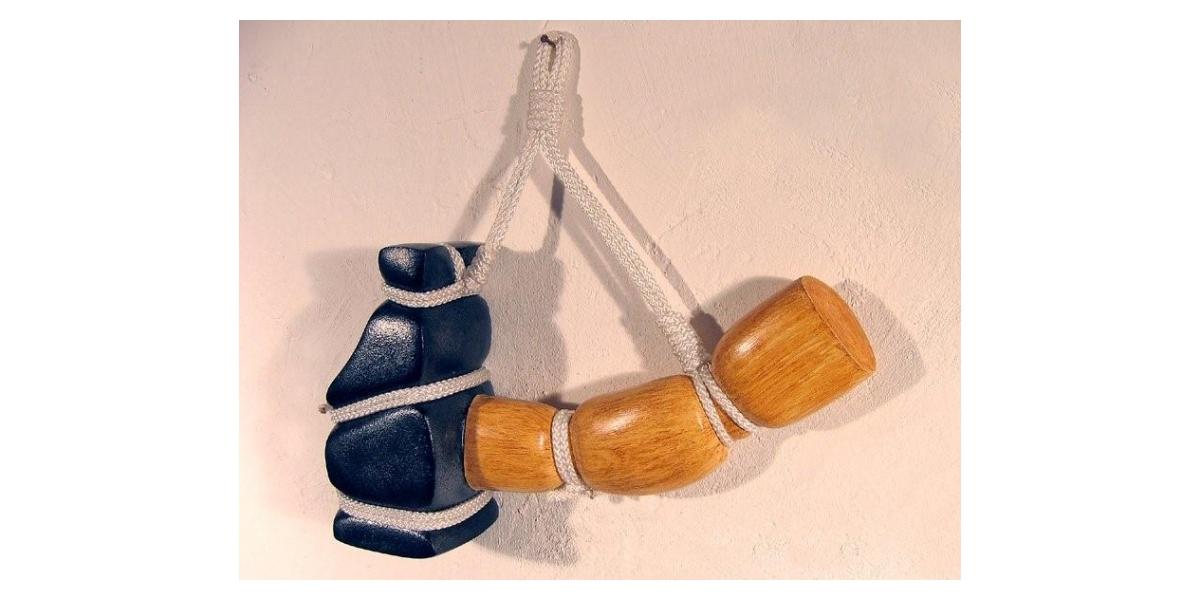 Polyester stratifié, corde    L : 35 cm signé numéroté sur 8 exemplaires 2007