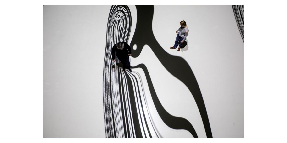 L'Origine du Monde 2019, Miguel Chevalier - Installation de réalité virtuelle générative et interactive - Logiciels : Cyrille Henry / Antoine Villeret - Exposition « Pixels Noir Lumière 2019 - Miguel Chevalier », Musée Soulages, Rodez - Commissaire : Christophe Hazemann - Photo Nicolas Gaudelet