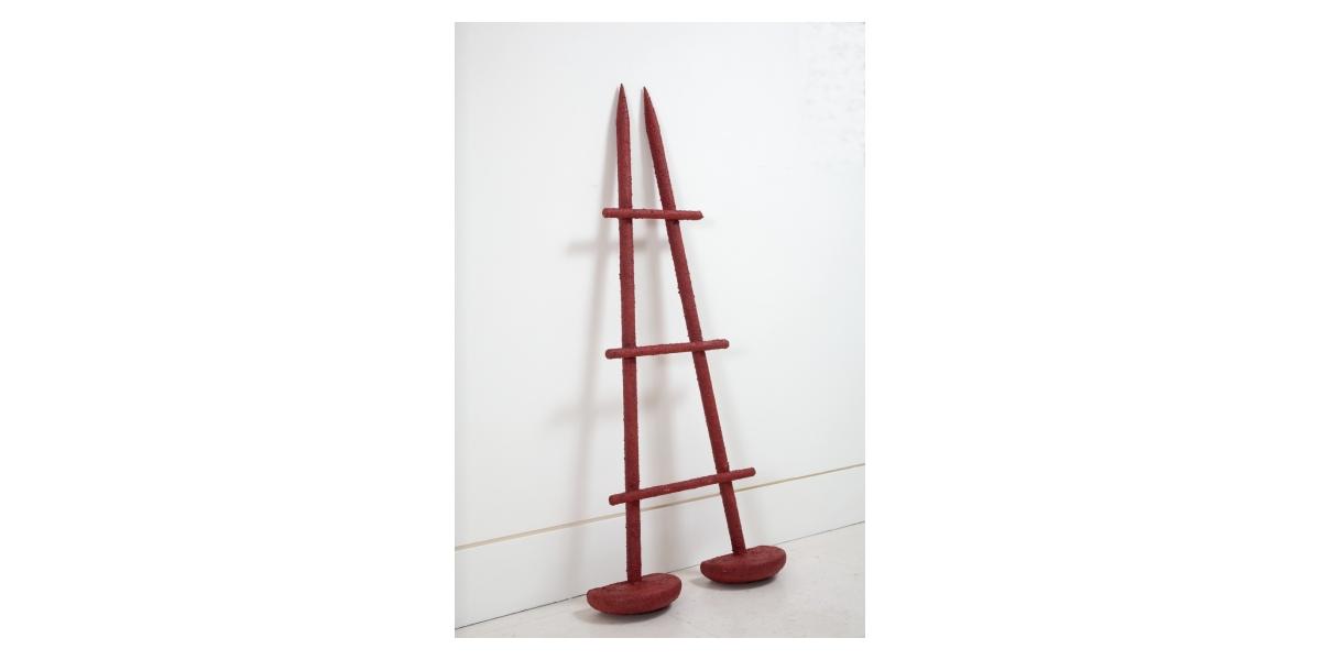 Hervé Télémaque, Le Temps passe (1969-2011), acrylique sur bois. 140 x 59 x 17 cm. Sculpture originale sur 8 exemplaires