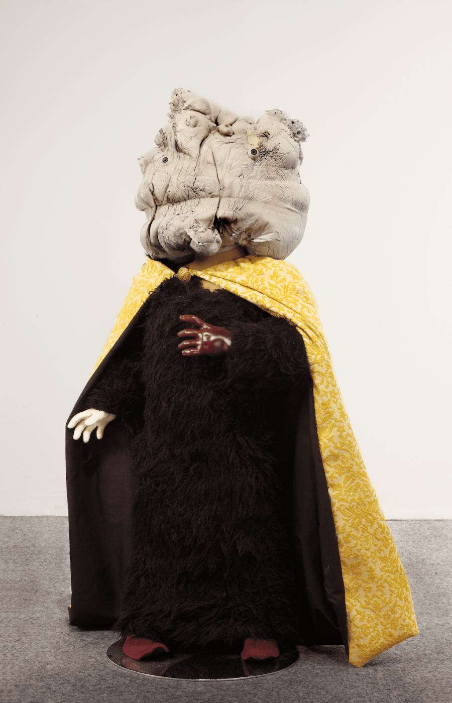 <b>Neil Farber</b>, <em>Mannys</em>, plâtre, résine, tissus, 2011